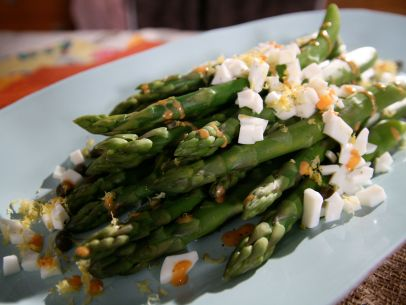 Asparagus with Tangy-Smoky Dressing Recipe