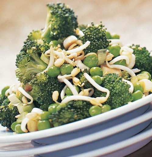 Broccoli, Bean Sprouts and Green Peas Salad Recipe