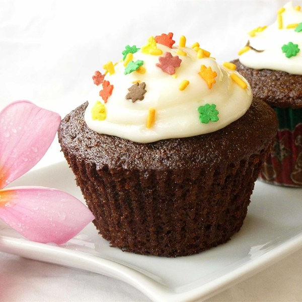 Gingerbread Cupcakes with Cream Cheese Frosting Recipe