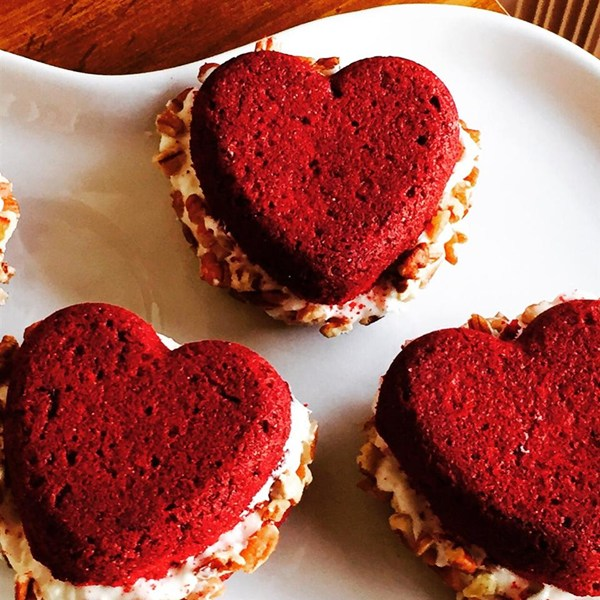 Dawn's Easy Red Velvet Sandwich Cookies Recipe