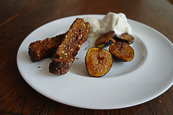 CARAMELIZED FIGS WITH RICOTTA RECIPE