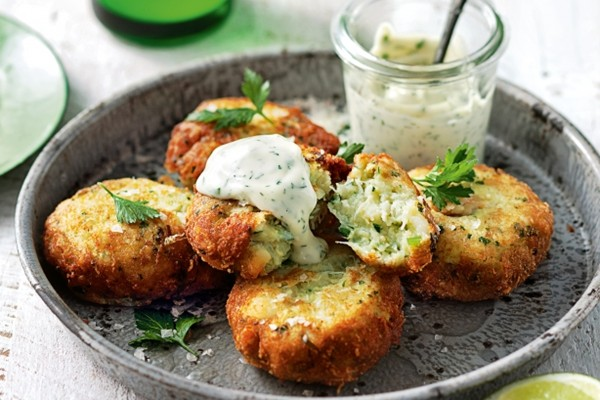 Spiced crabcakes with tamarind mayonnaise Recipe