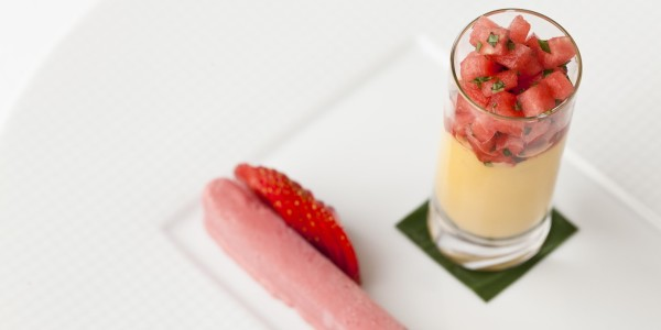 Mango yoghurt strawberry cream Recipe