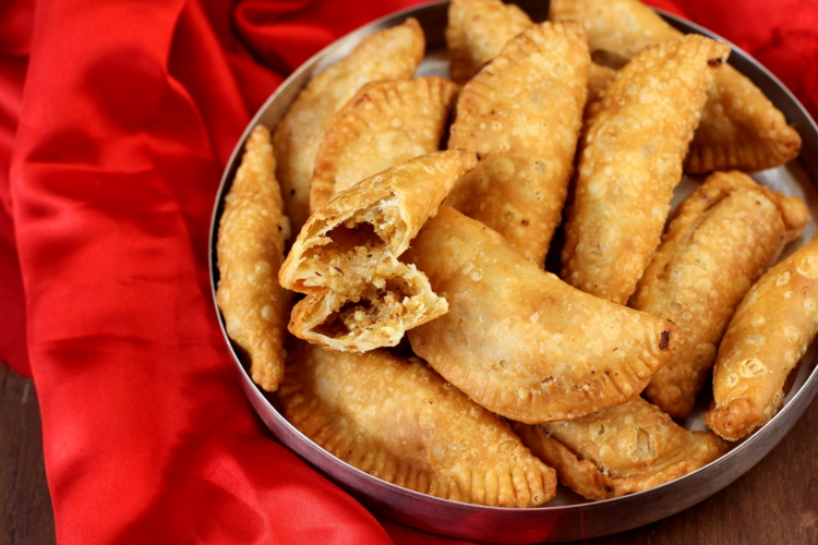 Chocolate Gujiya Recipe