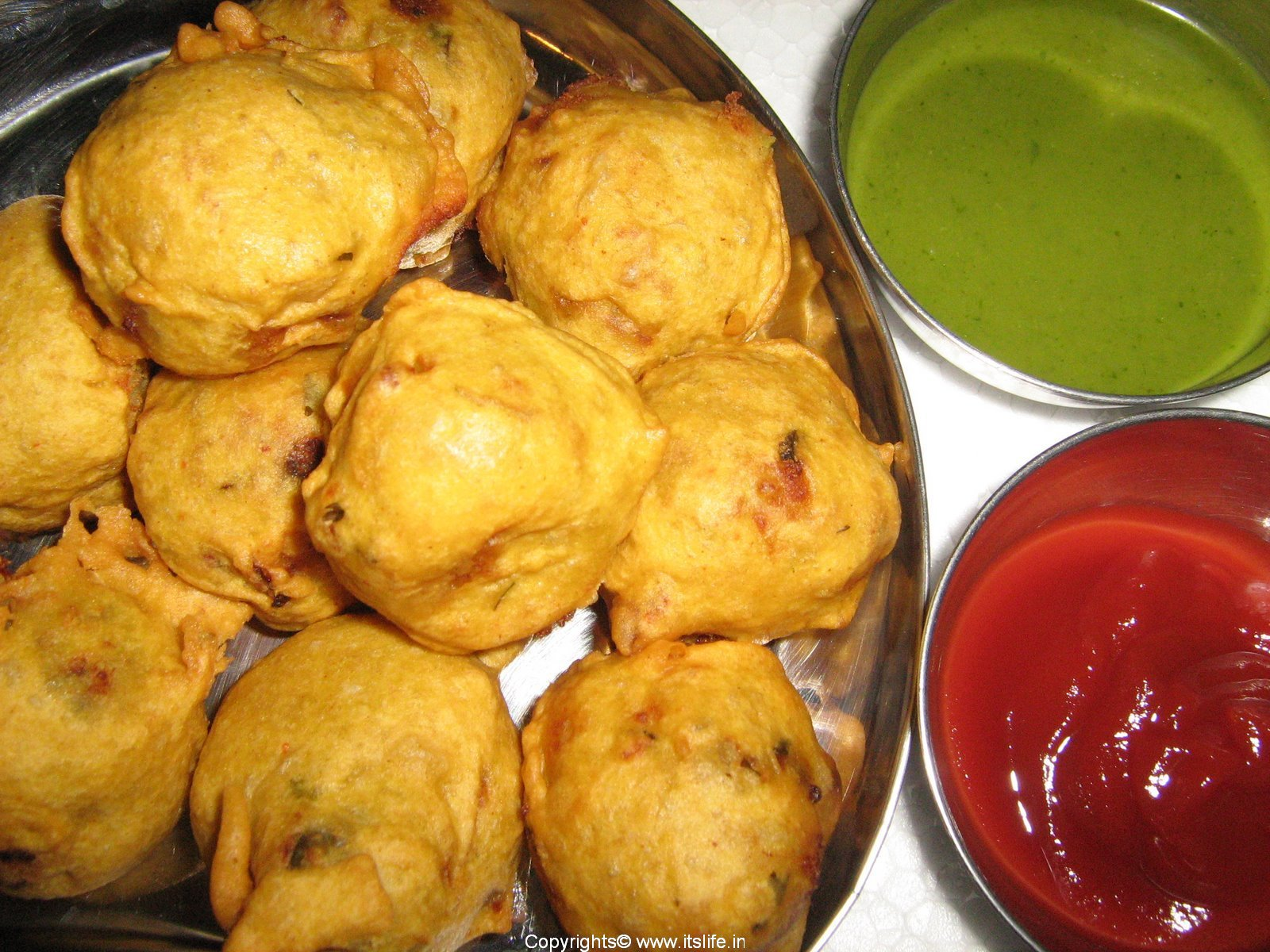 Yam & Raw Banana Bonda Recipe