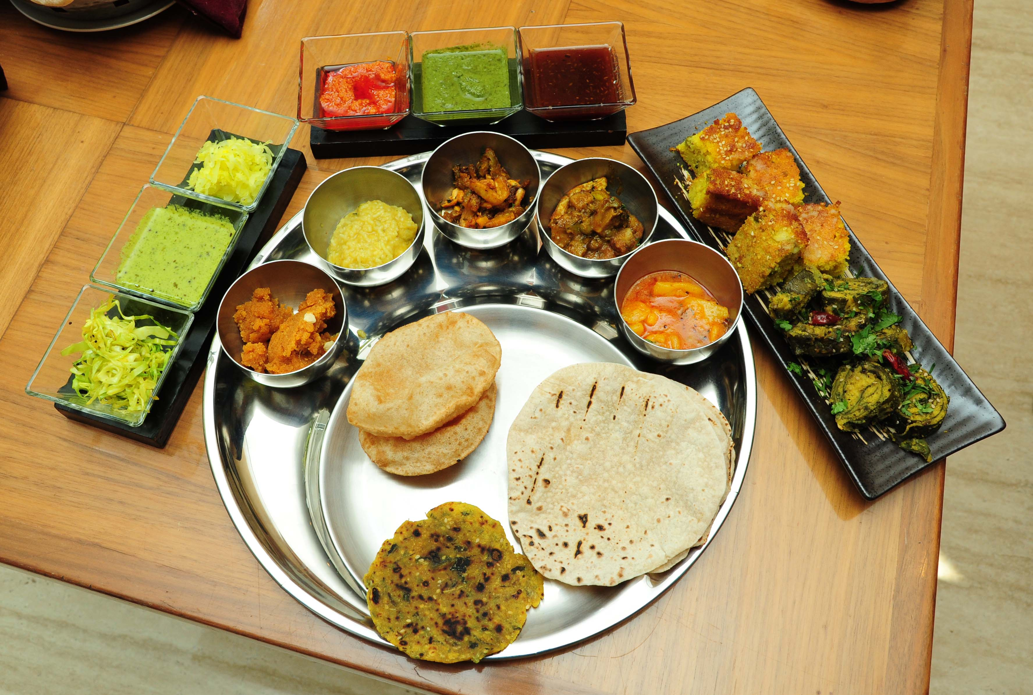 best-gujarati-thali-in-ahmedabad