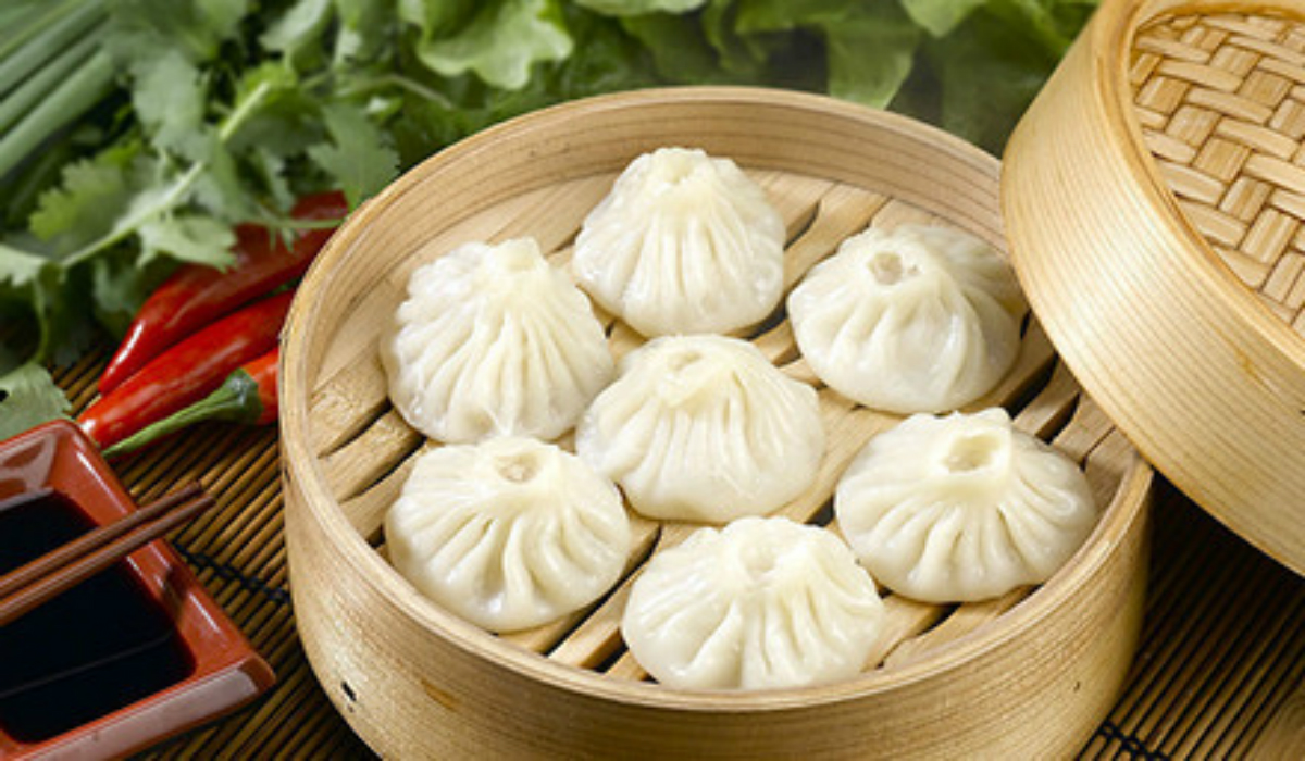 mb-momos-with-sweet-chilli-saucee