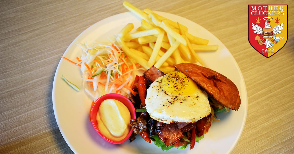 mother-cluckers-cafe-chennai