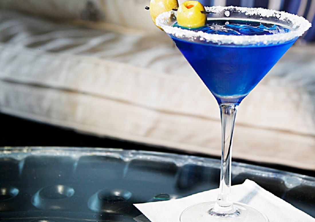 #BleedBlue For India With This Royal Blue Cocktail!