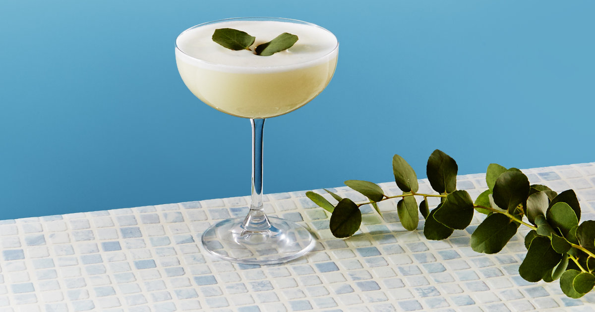 This Eucalyptus Martini Will Leave You Feeling Surprisingly Refreshed!