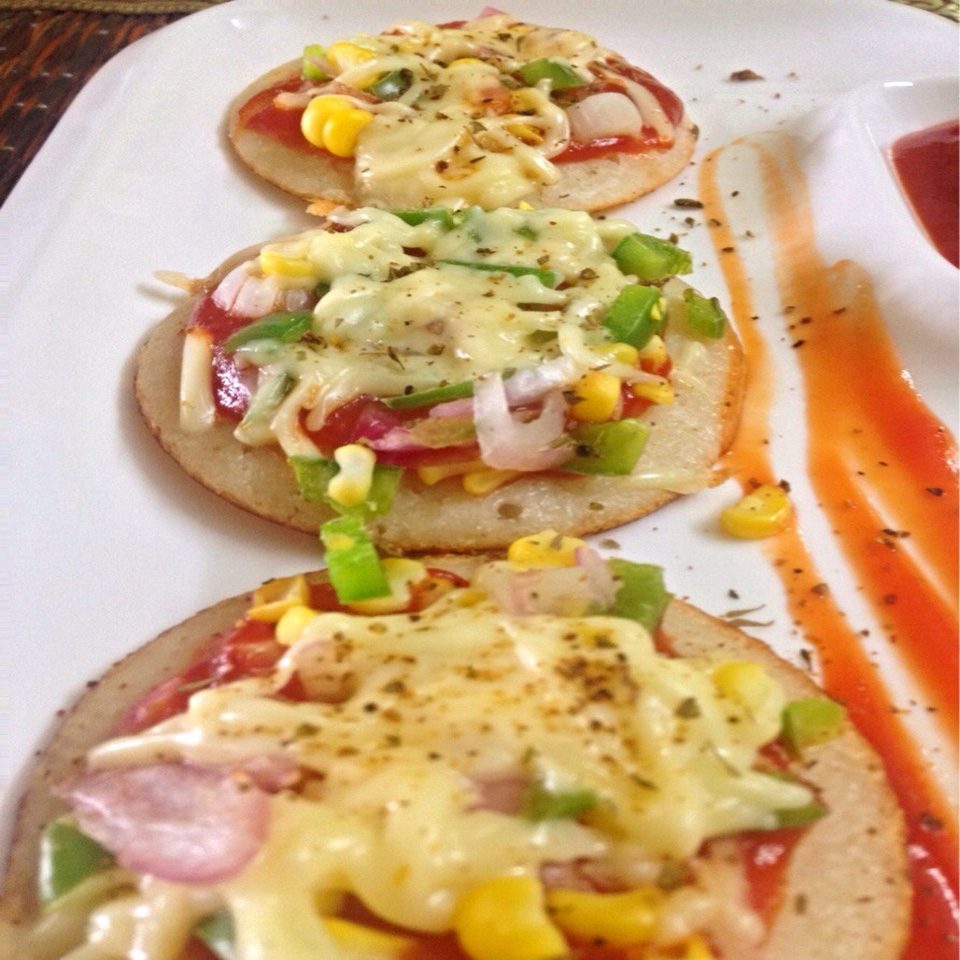 MINI VEGETABLES AND CHEESE OTHAPPAM
