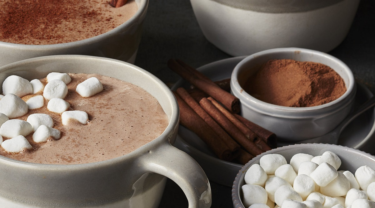 Gingerbread Hot Chocolate Cocktail