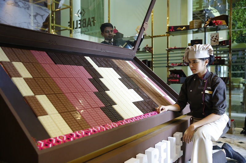 Fabelle Exquisite Chocolates Unveils 73 Kg Chocolate bar to Commemorate India's 73rd Independence Day