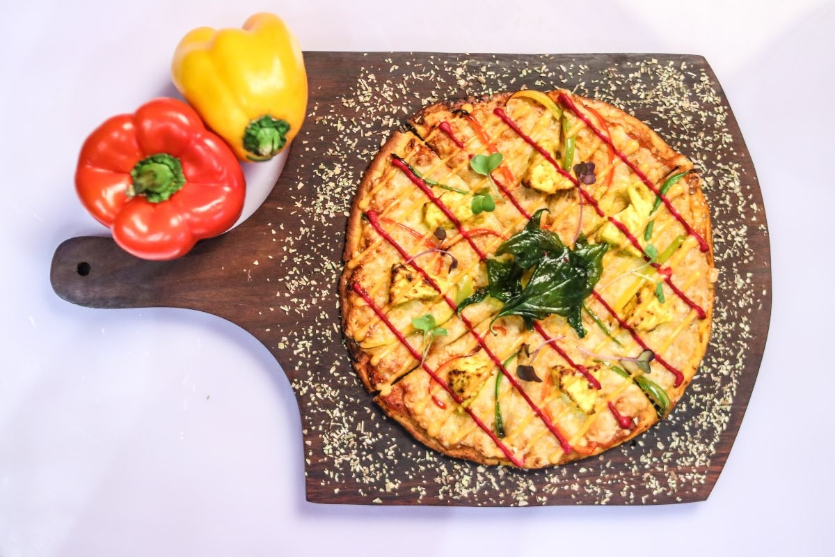 Try The Curry Naan Pizza At Darzi Bar & Kitchen!