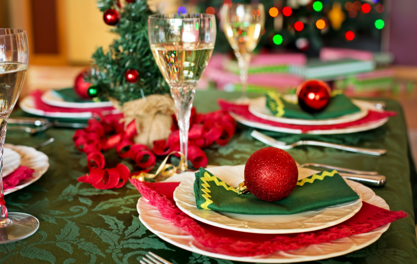 How to Decorate a Table for Christmas Dinner – Practical Tricks
